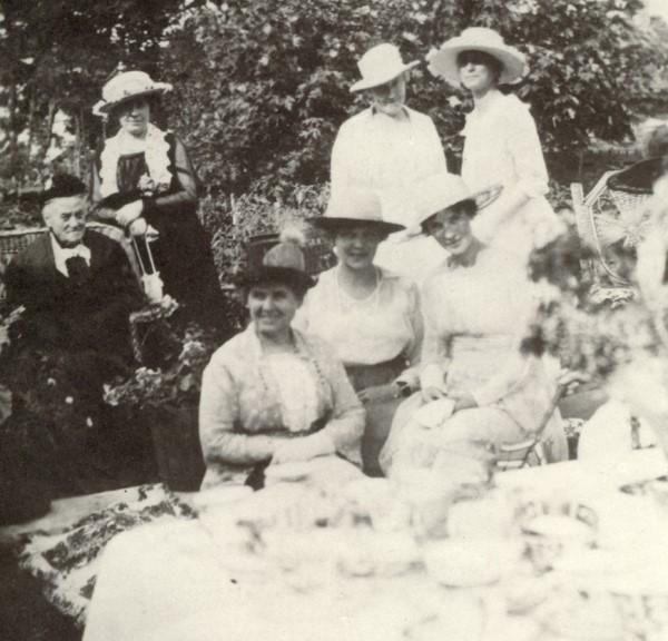 Tiệc trà tại nước Anh 2